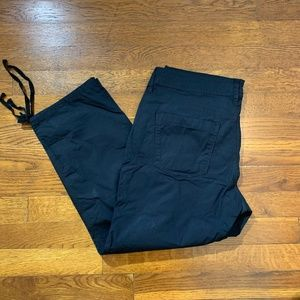 DKNY Jeans-Cropped Cargo Style Pants